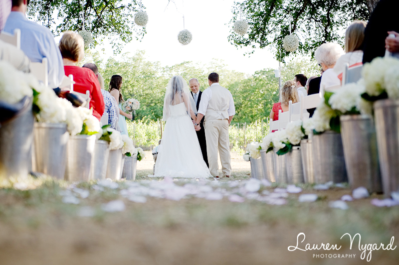Lost Oak Winery Wedding by Texas wedding photographer Lauren Nygard
