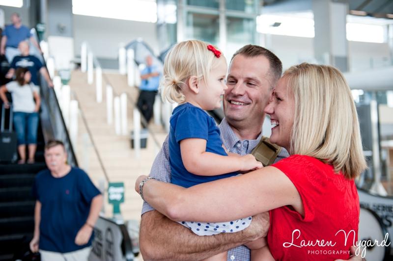 San Diego Airport Homecoming USMC 017