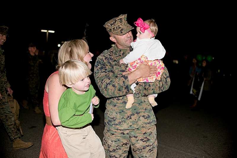 Camp Pendleton Marine Corps homecoming from San Diego portrait photographer Lauren Nygard
