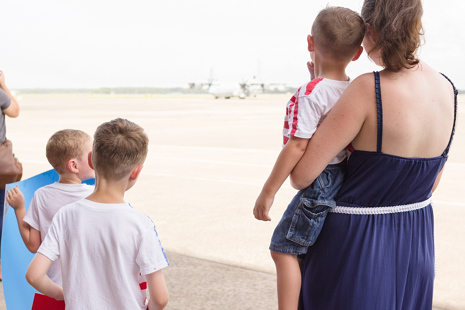 Marine Corps homecoming photography at MCAS Cherry Point from North Carolina portrait photographer Lauren Nygard